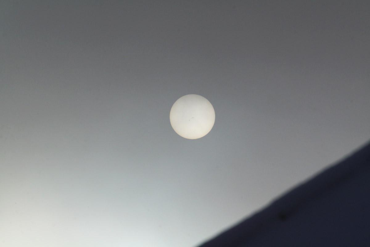 Napfolt csoport kézből fotózva 300-as telével, természetes pára szűrőként